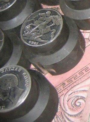 Как распознать поддельные монеты