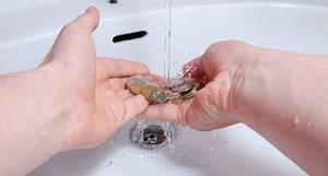 Как очистить золотую монету