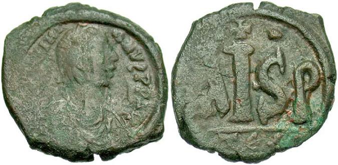 Бронзовая монета Византии нуммус
