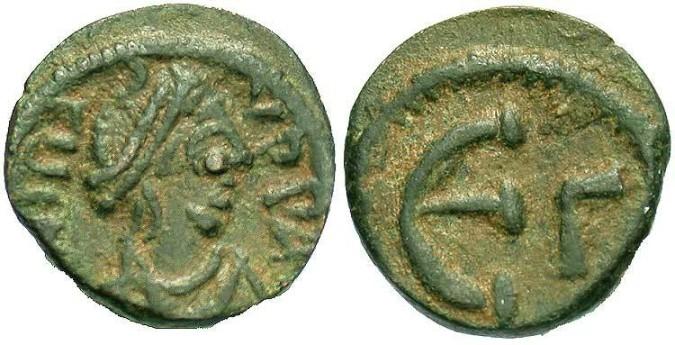 Бронзовая монета Византии пентанумиум