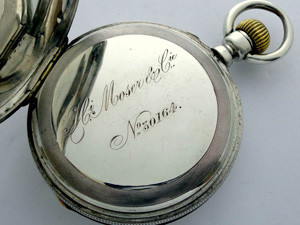 Большой популярностью пользовались часы производства Генри Мозера
