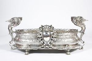 Антикварные столовые изделия из серебра